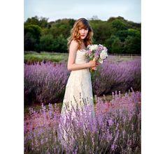 http://www.motherofthebride.com.br/2013/05/casamento-boho-chic.html