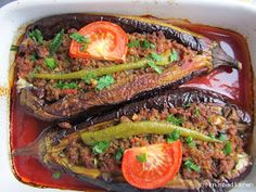 Mijn mixed kitchen: Karnıyarık (Turkse gevulde aubergine met gehakt uit de oven) Paleo, Keto, Food Inspiration, Veggies, Cooking Recipes, Yummy Food, Favorite Recipes, Health, Foods
