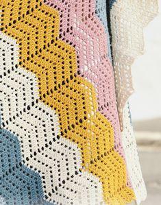 Taste of Rainbow - free crochet ripple blanket pattern with chart by DROPS design Chevrons Au Crochet, Zig Zag Crochet Pattern, Crochet Motif Patterns, Motifs Afghans, Crochet Ripple Blanket, Crochet Afghans, Chevron Blanket, Magazine Drops, Crochet Diy