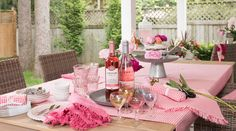 Rosé all day. We arranged the table outside for a brunch under the influence of the loveliest color. Since Rosé has become a thing from Provence to the Hamptons, we thought it was time to set the mood in our backyard around that pretty colored wine. Visit our Summer page for more inspiration and recipes that will make you see La Vie en Rosé.