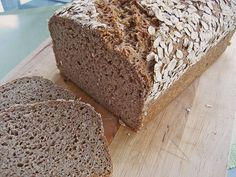 Saftiges Vollkornbrot Juicy wholegrain bread (recipe with picture) from egghead Easy Pudding Recipes, Easy Bread Recipes, Soup Recipes, Wholemeal Bread Recipe, Bread Machine Recipes, Cinnamon Bread, Pumpkin Recipes, Fall Recipes, Bread Baking