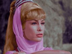 I Dream Of Jeannie Bottle | The Lady in a Bottle, 1x01 - I Dream of Jeannie Image (5719143 ...