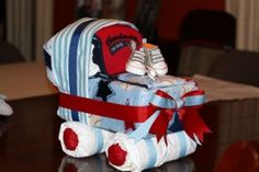 15 Incredible Diaper Cakes + Directions on how to Make Them