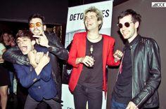 La noche del pasado 29 de noviembre, la banda argentina de rock Detonantes hizo la presentación de su disco debut en el bar nocturno Voodoo Motel. Revista MOCK estuvo allí y vivió un eufórico recital que todos los presentes recordarán, sin dudas, como el comienzo de algo grande.