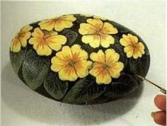 painted rock, stone, piedras pintadas Painted Garden Rocks, Painted Pavers, Painted Rocks, Pebble Painting, Love Painting, Pebble Art, Rock Plants, Rock Flowers, Rock Collection