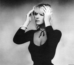 Christine McVie (English rock singer, keyboardist, and songwriter, FLEETWOOD MAC) Gorgeous picture of her.