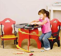 Мебель для детской комнаты, гоночный столик