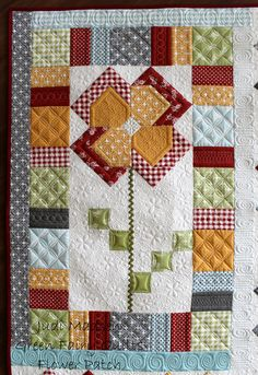 Flower Patch designed by Judi Madsen of Green Fairy Quilts Patch Quilt, Applique Quilts, Quilt Blocks, Small Quilt Projects, Quilting Projects, Longarm Quilting, Small Quilts, Mini Quilts, Scrappy Quilts