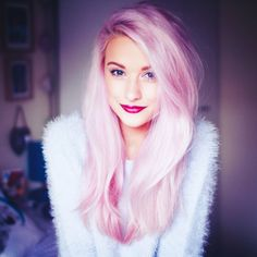 Most amazing pink hair ever! bloglovin #inthefrow