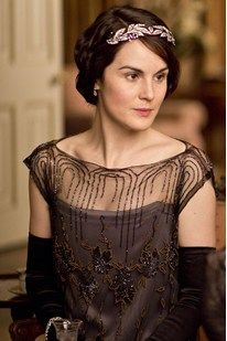 "Downton's costume designer: ""Mary is a challenge to dress"""
