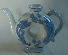 Beautiful Vintage Oriental Asian Tea Pot Dragon Leaves Greek Key Doughnut Shape