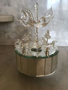 VNTGE MIRRORED 5 HORSE CAROUSEL MUSIC BOX BLOWN GLASS PLAYS FASCINATION ROTATES