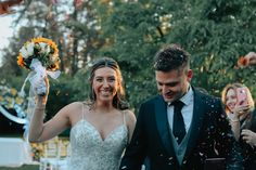 Fotografía de matrimonios   bodas al aire libre   fotógrafo de matrimonios en Chile Chile, Wedding Dresses, Fashion, Outdoor Weddings, Pictures, Bride Dresses, Moda, Bridal Gowns, Chili