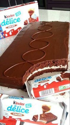 Confetti Cake Roll – Appetizer Recipes - New ideas Appetizer Recipes, Snack Recipes, Dessert Recipes, Food Cakes, Cupcake Cakes, Sweet Recipes, Cake Recipes, Gateau Cake, Gravity Cake