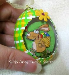 Cute idea for Easter ~ 3D Panoramic Egg Tutorial by Suzy's Artsy-Craftsy Sitcom