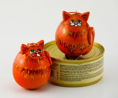 Even cat gourds liked canned cat food!  www.gourdament.etsy.com