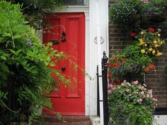 Another red door!