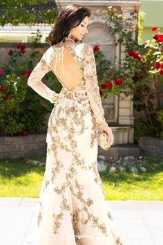 beautifulsouthasianbrides:  Outfit by:Well Groomed Designs Photo by:Dennis Lee