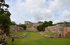 Uxmal, Zona Arqueológica - Juego de Pelota (Ball Court) | Flickr: Intercambio de fotos