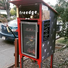 Community fridges are like Little Free Pantries, but with electricity. They are one more solution to hunger and food waste. Little Free Libraries, Free Library, Little Free Pantry, Jacobs Well, Old Refrigerator, Future Shop, Clean Life, Charity Organizations, Serving Others