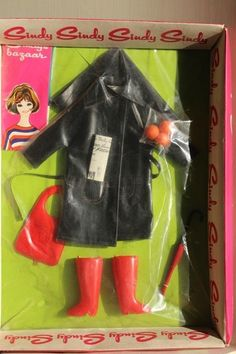 """VINTAGE NRFB  PEDIGREE SINDY """"SHOPPING IN THE RAIN OUTFIT"""""""