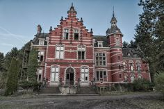 Chateaus on pinterest for Design hotel belgien