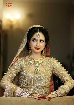 I like the wear, Is she married? Indian Wedding Bride, Desi Bride, Indian Weddings, Indian Bridal Fashion, Pakistani Bridal Dresses, Wedding Dresses, Bridal Beauty, Bridal Makeup, Beautiful Bride