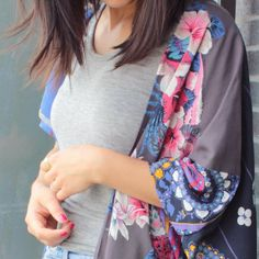 Make a beautiful and unique kimono with this step by step tutorial!