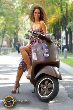 Very nice girl on her Vespa scooter Piaggio Vespa, Vespa Lx, Vespa Scooters, Motos Vespa, Lambretta Scooter, Scooter Motorcycle, Motorbike Girl, Motor Scooters, Scooter Scooter