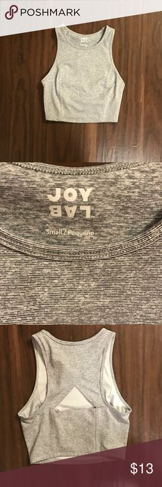 Joy lab workout bra/top high neck Sleeveless High neck Perfect for workouts Worn once Fits size xs (bra size 32a-32b) Cropped joy lab Tops Crop Tops