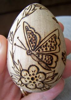 BUG A BOO CORNER: Fun with Wood eggs!