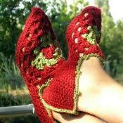 Babouches, granny-square pointy slippers - via @Craftsy