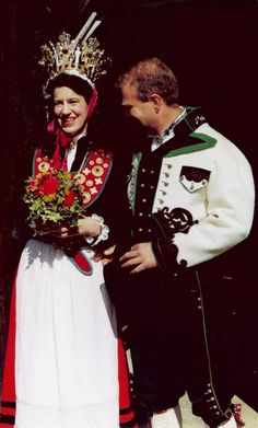 Europe | Portrait of a couple wearing traditional wedding costumes and bridal crown, Norway #wedding #embroidery #Scandinavian