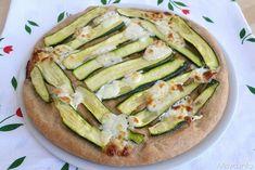 Focaccia integrale con zucchine e crescenza, scopri la ricetta: http://www.misya.info/2015/07/19/focaccia-integrale-con-zucchine-e-crescenza.htm