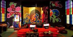 Japanese sliding doors and screen on the set of Sakuran the movie. Set Design Theatre, Stage Design, Booth Design, Japanese Modern, Japanese House, Japanese Art, Japanese Style, Japanese Sliding Doors, Ceiling Painting