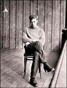 В этот день в 1958 г. Борис Пастернак назван лауреатом Нобелевской премии по литературе.