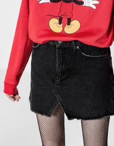 Pull&Bear - dla niej - trends - denim collection - jeansowa minispódniczka z wycięciem - czarny - 05399308-V2017