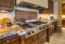 This kitchen design belongs to the most expensive townhouse sold in Scottsdale 2015 | Silverleaf...