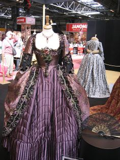 """Costume for """"Georgiana, Duchess of Devonshire"""" (as worn by Keira Knightley) 'The Duchess' by Michael O'Connor. Pretty Outfits, Pretty Dresses, Beautiful Outfits, Vintage Dresses, Vintage Outfits, Vintage Fashion, Victorian Fashion, Drag Clothing, The Duchess"""