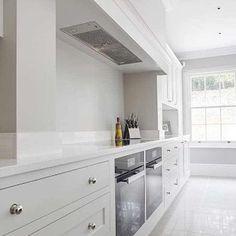 Modern Shaker Kitchen: modern Kitchen by Stonehouse Handmade Bespoke Kitchens Home Decor Kitchen, Kitchen Living, Kitchen Interior, New Kitchen, Modern Shaker Kitchen, Shaker Style Kitchens, Home Kitchens, Rustic Kitchen Cabinets, Kitchen Layout