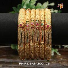 Beautiful bangle with flower design. Plain Gold Bangles, Gold Bangles Design, Gold Jewellery Design, Designer Jewelry, Silver Bracelets, Gold Jewelry, Gold Mangalsutra Designs, Jewelry Design Earrings, Bangle Set