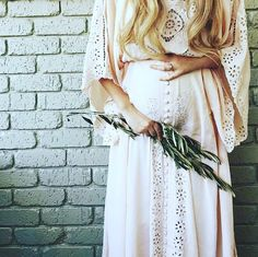 Boho babe @sophie_vine from @vinesofthewild wearing @fillyboomaternity. Perfect label for the boho brides with a bump!
