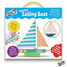 Haz tu propio barco - Ref. 504354 Pinta y construye tu propio barco de madera. Sigue el dibujo de la caja o pinta tu propio diseño. Cepilla el barco con barniz para un acabado brillante. El producto incluye pegatinas para añadir ojos de buey y otros detalles al barco. Exhibe el barco en tu habitación o ¡prueba a hacerlo flotar en la bañera! Medidas: 25 x 23,3 x 7 cm