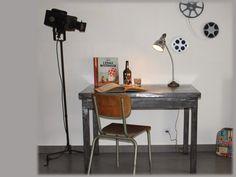 Table d'atelier vintage, en métal patiné couleur canon de fusil