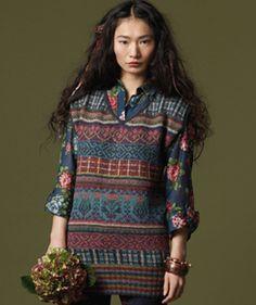 Anastasiya knitting pattern featured in Rowan Knitting & Crochet Magazine 48.  Designer:  Marie Wallin.  Love the colors!