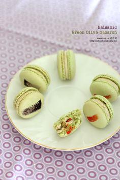 olive macaron