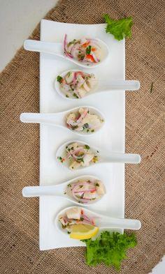 7 consejos clave para una cena al aire libre. #chile #boda #matrimonios #wedding #matrimonioscl #noscasamos #matrimonios2018 #matrimonios2019 #noviaschilenas #noviaschile #modanupcial #cl #inspiración #novias2018 #matrimonio #cena #cenadematrimonio #cocteldematrimonio #coctel #banquete #menudematrimonio #comidadematrimonio #candybar #catering #postres #comida #comidachilena #comidadematrimonio #sweet #dulces #dulce #mesadulce #recepcion #mesadedulces #mesadepostres #bufetdepostres Ideas Comida, Catering, Diana, Wedding Ideas, Cooking, Food, Cocktails, Deserts, Al Fresco Dinner