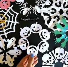 Paper snowflake templates! Pumpkins, cats, skulls, spider webs and more! Paper Snowflake Template, Paper Snowflakes, Diy Halloween Decorations, Halloween Crafts, Kirigami Patterns, Spider Webs, Easter Holidays, Crafty Kids, Happy Thoughts