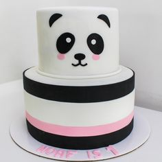 Bolo Panda +de 50 Ideias Super Fofas e Divertidas #BoloPanda #Bolo #Panda #PandaCake Bolo Panda, Ice Cream Cone Cake, Popcorn Cake, Panda Cakes, Pink Panda, Gold Cake, Fashion Cakes, Amazing Cakes, Pink And Gold