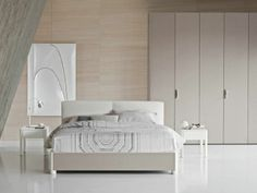 Bed Batò Design Rodolfo Dordoni For Flou. Storage Base In Style Sand Colour  And Headboard